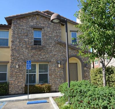 Simi Valley Condo/Townhouse For Sale: 4347 Green Pasture Lane #3