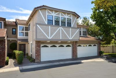 Agoura Hills Condo/Townhouse For Sale: 29620 Windsong Lane