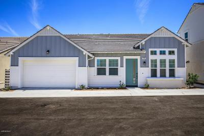 Canyon Country Condo/Townhouse For Sale: 25118 Orange Lane