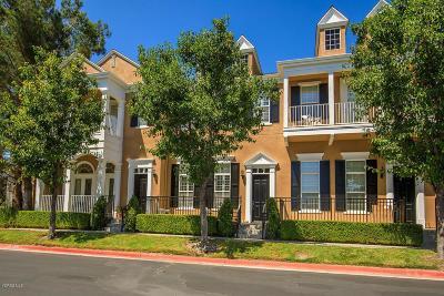 Los Angeles County Condo/Townhouse For Sale: 24008 Bridgeport Lane #9