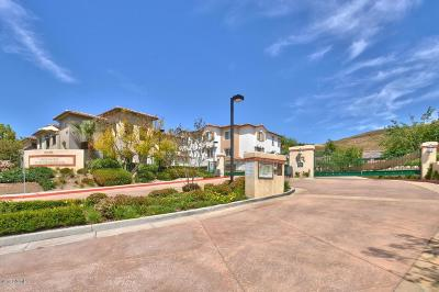 Simi Valley Condo/Townhouse For Sale: 485 Country Club Drive #226
