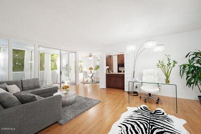 Encino Condo/Townhouse For Sale: 5339 Newcastle Avenue #102