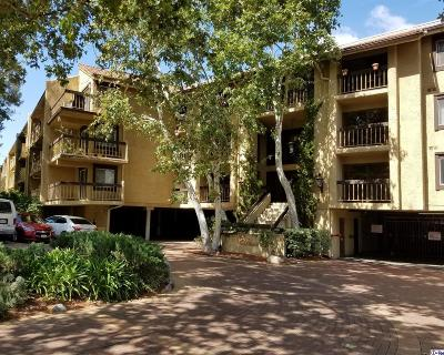 Glendale Condo/Townhouse For Sale: 3481 Stancrest Drive #311