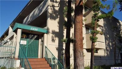 Encino Condo/Townhouse For Sale: 5330 Zelzah Avenue #7