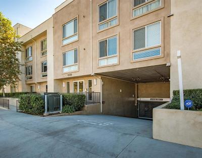 Toluca Lake Condo/Townhouse For Sale: 10878 Bloomfield Street #104