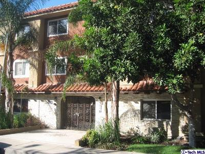 Glendale Condo/Townhouse For Sale: 3220 Altura Avenue #207