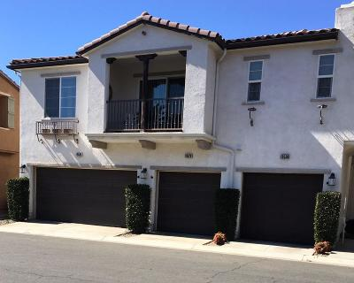 Saugus Condo/Townhouse For Sale: 19530 Laroda Lane