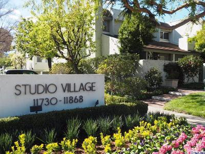 Studio City Condo/Townhouse For Sale: 11856 Moorpark Street #A