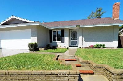 Valencia Single Family Home For Sale: 25837 Parada Drive