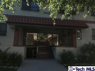 Glendale Condo/Townhouse For Sale: 1043 Thompson Avenue #1