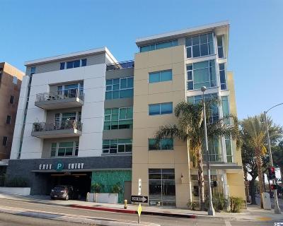 Pasadena Condo/Townhouse For Sale: 238 South Arroyo Parkway #212