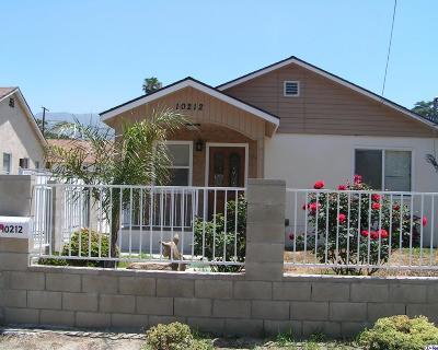 Sunland Single Family Home For Sale: 10212 Whitegate Avenue