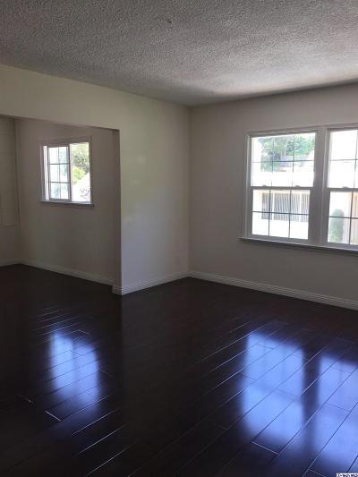 Glendale Single Family Home For Sale: 444 Devonshire Lane