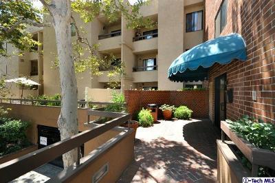 Glendale Condo/Townhouse For Sale: 460 Oak Street #218