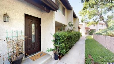 Burbank Condo/Townhouse For Sale: 7756 Via Catalina #33