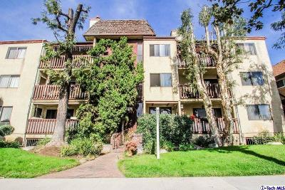 Glendale Condo/Townhouse For Sale: 445 Ivy Street #301