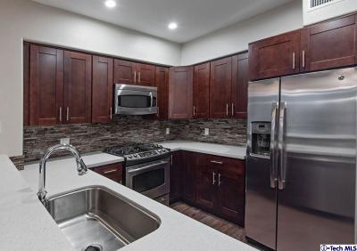 Valencia Condo/Townhouse For Sale: 24545 Town Center Drive #5104