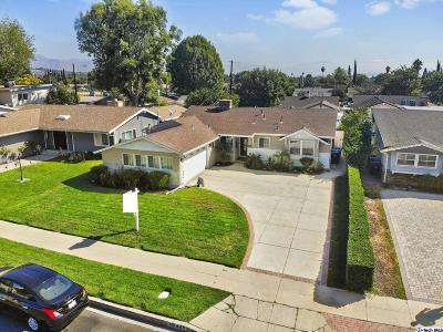 Granada Hills Single Family Home For Sale: 10446 Petit Avenue