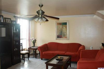 Tarzana Condo/Townhouse For Sale: 6151 Reseda Boulevard #4