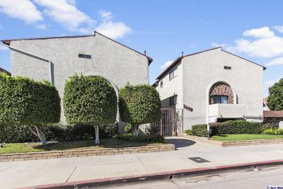 Condo/Townhouse For Sale: 7409 Woodman Avenue #101
