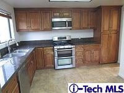 Condo/Townhouse For Sale: 14100 Calvert Street #9