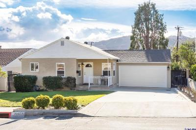Glendale Single Family Home Active Under Contract: 3702 Los Olivos Lane