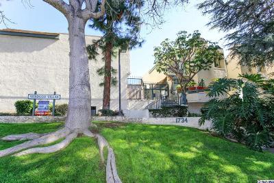 Glendale Condo/Townhouse For Sale: 1734 North Verdugo Road #3