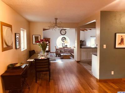 Tujunga Single Family Home For Sale: 10319 Samoa Avenue