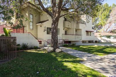 La Crescenta Condo/Townhouse Active Under Contract: 3238 Altura Avenue #6