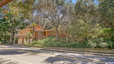 Glendale Single Family Home For Sale: 2712 East Chevy Chase Drive