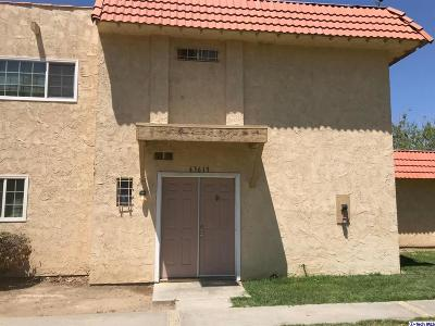 Lancaster Condo/Townhouse Active Under Contract: 43619 Stanridge Avenue
