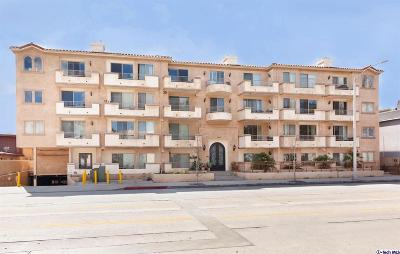 Toluca Lake Condo/Townhouse Active Under Contract: 11218 Camarillo Street #403