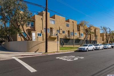 Tujunga Condo/Townhouse Active Under Contract: 10260 Plainview Avenue #15