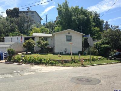 Los Angeles Single Family Home Active Under Contract: 4672 Cleland Avenue