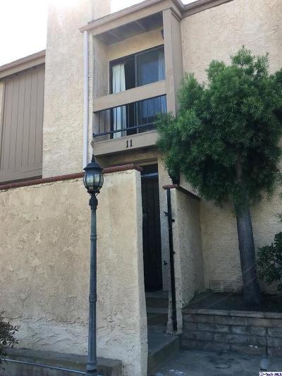 Panorama City Condo/Townhouse Active Under Contract: 9600 Sylmar Avenue #11