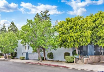 Chatsworth Condo/Townhouse For Sale: 9925 Variel Avenue #26