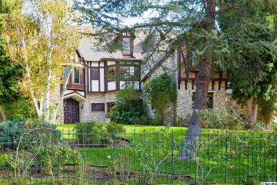 Chatsworth Single Family Home Active Under Contract: 10690 Winnetka Avenue