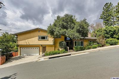 Glendale Single Family Home For Sale: 515 Haverkamp Drive