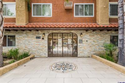 Glendale Condo/Townhouse For Sale: 3220 Altura Avenue #212