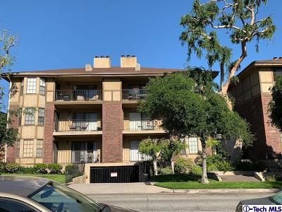 Glendale Condo/Townhouse Active Under Contract: 336 North Louise Street #9