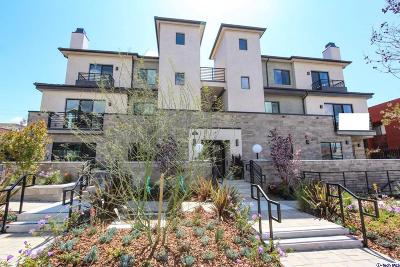 Glendale Condo/Townhouse For Sale: 330 Salem Street #202