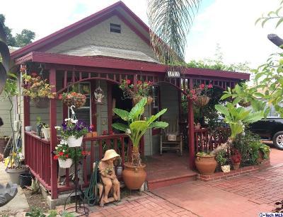 Long Beach Single Family Home For Sale: 144 East Eldridge Street