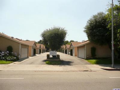 Chatsworth Condo/Townhouse Active Under Contract: 10125 De Soto Ave Avenue #45