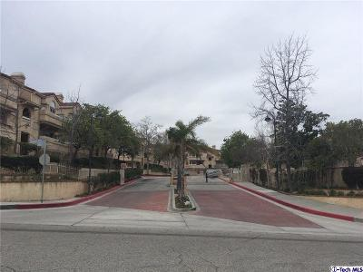 Canyon Country Condo/Townhouse Active Under Contract: 19856 Sandpiper Place #100