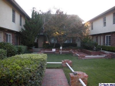Chatsworth Condo/Townhouse For Sale: 10065 De Soto Avenue #311