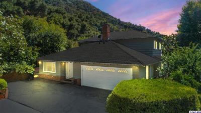 Glendale Single Family Home For Sale: 915 Larkstone Lane