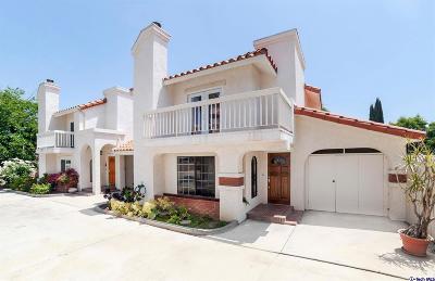 Granada Hills Condo/Townhouse For Sale: 17730 Kingsbury Street #10