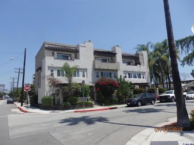 Glendale Condo/Townhouse Active Under Contract: 806 North Kenilworth Avenue
