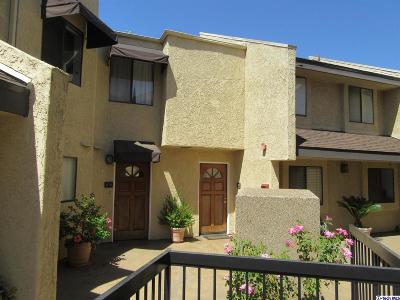 La Crescenta Condo/Townhouse For Sale: 3130 Montrose Avenue #108