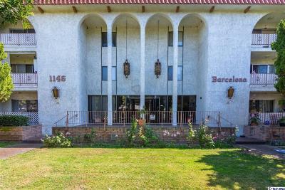 Glendale Condo/Townhouse For Sale: 1146 East Lexington Drive #25